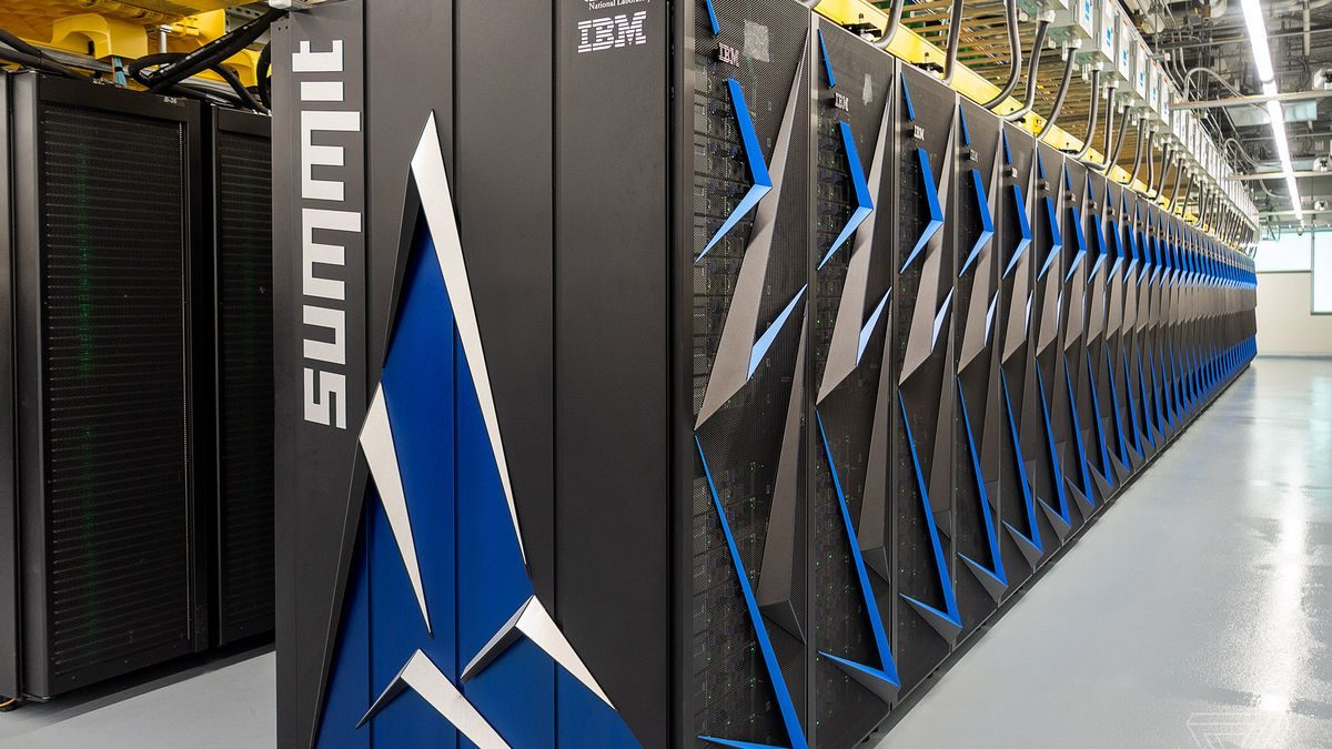Supercomputing and open data to stop the expansion of Ebola in Africa