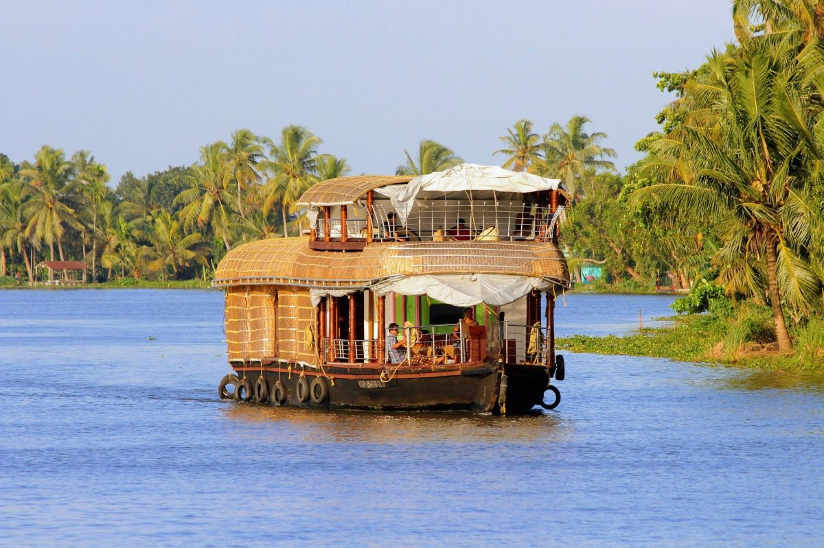 Top Tourist Places to Visit in Kerala: Move past the Backwaters!