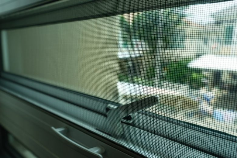 Benefits of installing fly screens